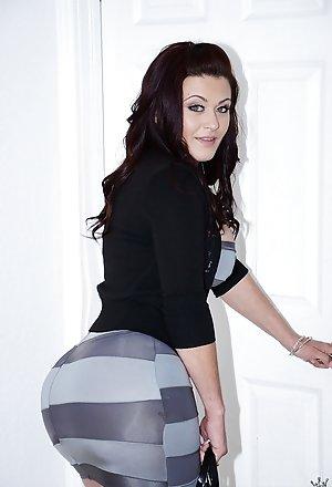 Hot Big Booty Milf Pics with Big Booty Women