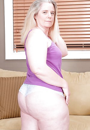 anderson-nude-grandmas-big-butt-gallery-like-naked